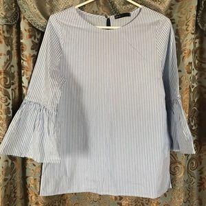 Gibson blue stripe ruffle sleeve blouse
